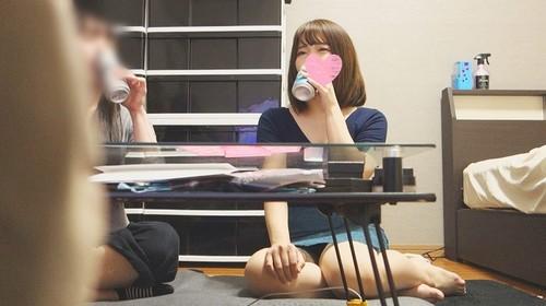 【オボワz☆ 投稿作品】宅飲み女性トーク覗き見!ぽちゃりでゆるそ~な娘が淡白な彼氏に不満たらたらで欲求爆発!【個人撮影】